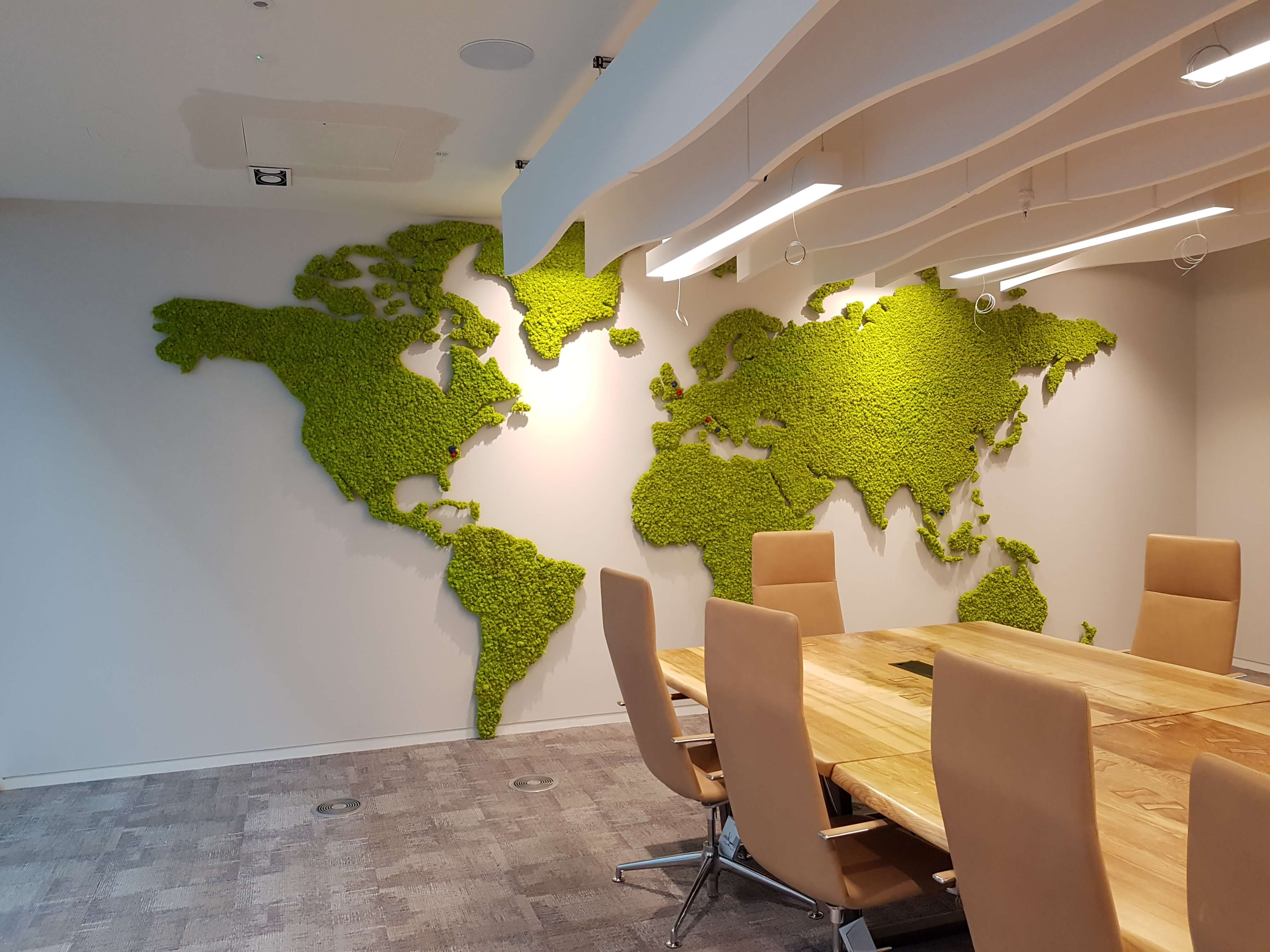 Go Natural: Moss Walls In Office Space